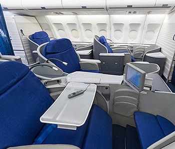 Airbus-A340-300-cabin-first-class